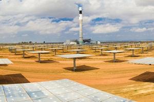 Masdar Gemasolar Solar plant keeps working, even after sundown